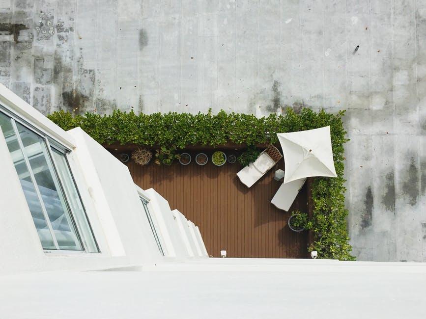pulire il terrazzo
